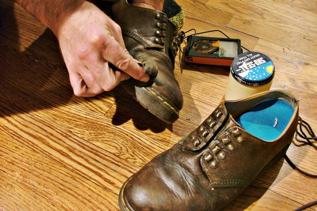 Средства для защиты обуви от влаги
